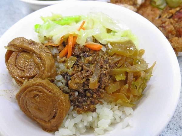 【台北美食】金園排骨-超過40年的排骨飯老店
