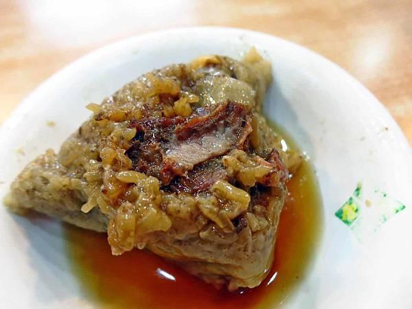 【台北美食】王記府城肉粽-入口即化的超美味肉粽