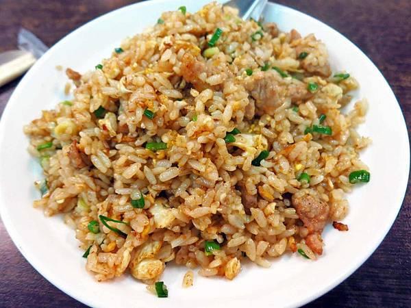 【蘆洲美食】美食霹靂小吃店-香噴噴美味的炒飯
