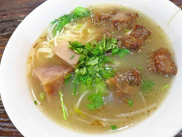 【新竹美食】竹東邱記排骨酥麵-新竹人最愛的美味排骨酥麵