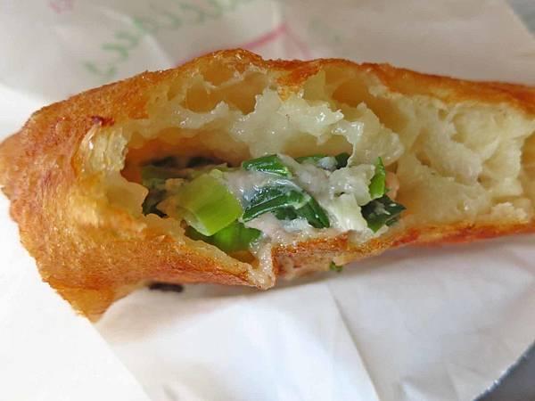 【台北美食】阿源煎餅-超大巨無霸蔥肉煎餅