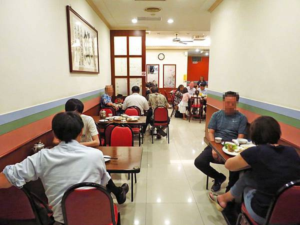 【台北美食】海產張小吃店-巷弄裡的35年老店