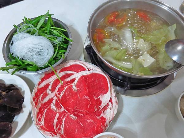 【台北美食】小樂沙茶火鍋-隱身在不起眼巷弄裡的沙茶火鍋店