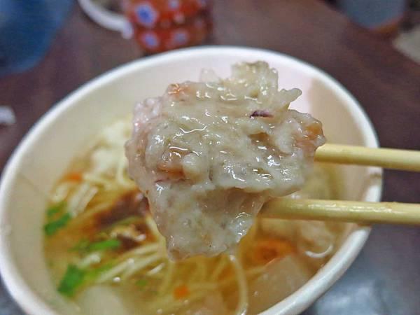 【台北美食】無店名魷魚焿-士林夜市裡的不起眼小吃店