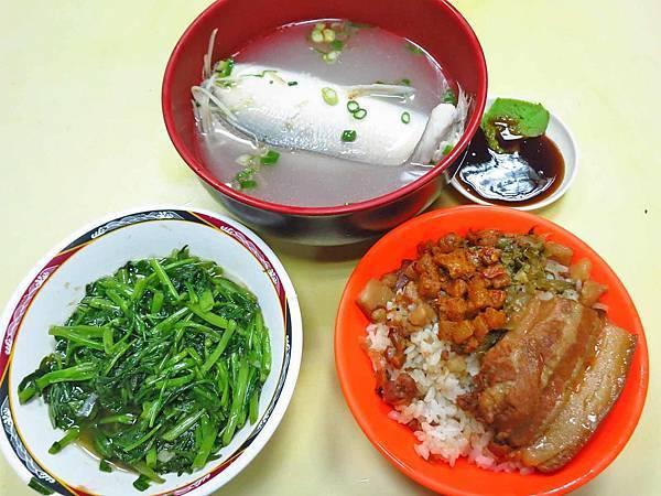 【三重美食】宋嫂湯飯菜-吃了會口齒留香的焢肉飯