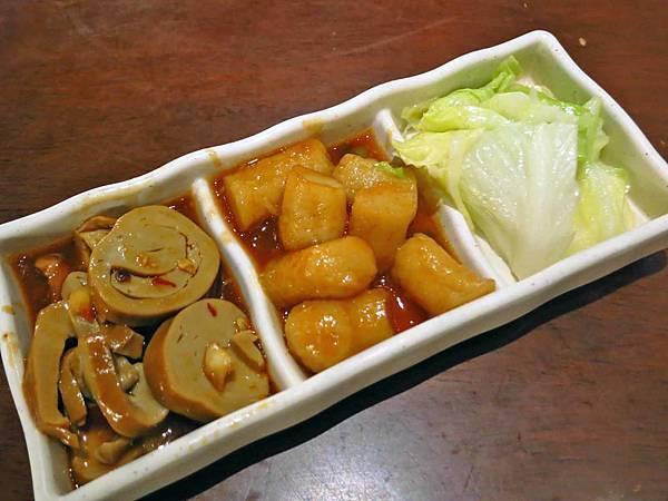 【台北美食】名家魯肉飯-不油不膩的香噴噴滷肉飯