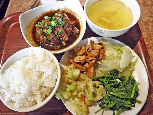 【新莊美食】講談食堂-香噴噴迷人的東坡肉飯
