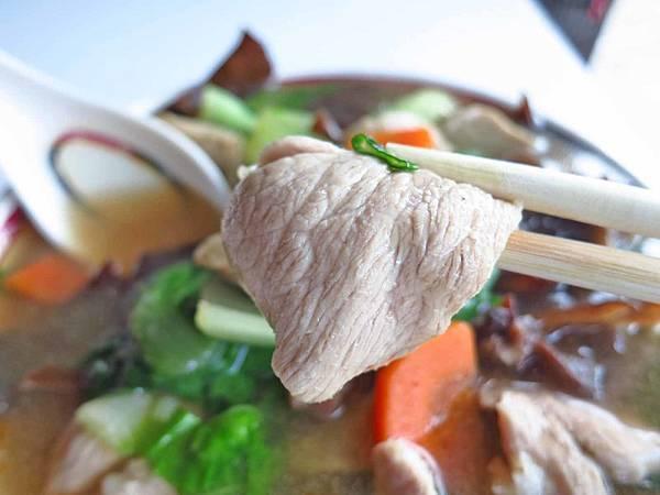 【中和美食】圓通路大滷麵-內行人才知道的超級爆量大滷麵