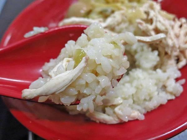【台北美食】建弘雞肉飯-香甜可口的大份量雞肉飯