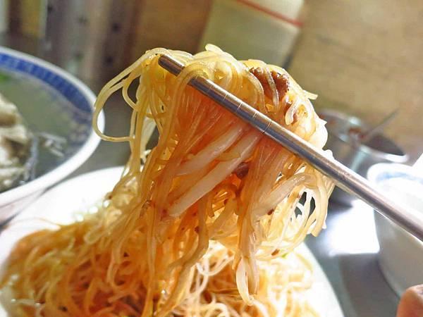【台北美食】以馬內利鮮魚湯-下雨天也人潮滿滿的鮮魚湯店
