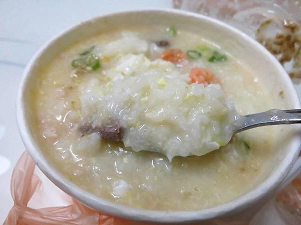 【蘆洲美食】信義路無名廣東粥-美味又便宜的廣東粥
