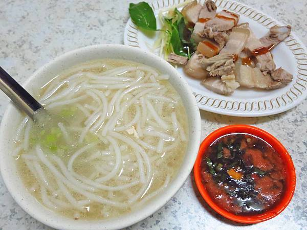 【三重美食】游記米粉湯-低調不顯眼的超強美食