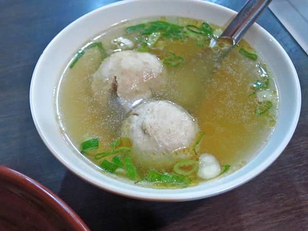 【台北美食】何家大碗公涼麵-別的地方吃不到的綠藻涼麵