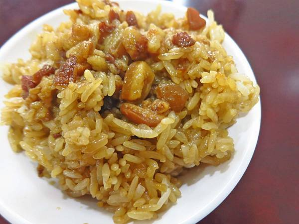 【三重美食】三重老牌油飯四神湯-不少在地人推薦的油飯店