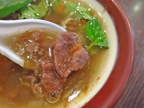 【台北美食】肥老闆羊肉羹-便宜又美味的羊肉羹
