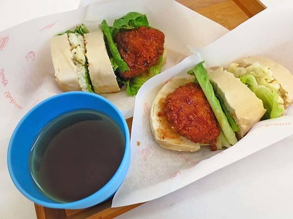 【桃園美食】霸堡菜根談-令人著迷的日式漢堡排