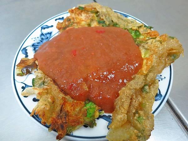 【台北美食】賴雞蛋蚵仔煎-寧夏夜市裡的超人氣排隊美食