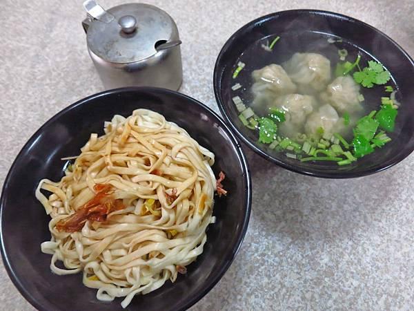 【桃園美食】南崁楊記烏醋麵-鮮美可口的餛飩湯