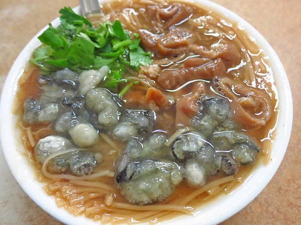 【台北美食】阿川麵線-豐富配料的蚵仔麵線