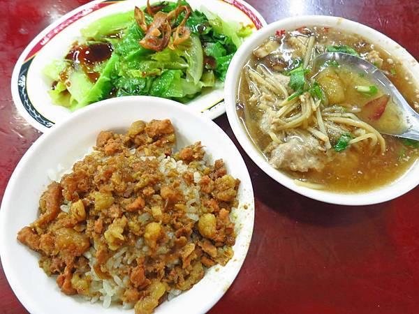 【蘆洲美食】圓環龍鳳號-美味又便宜的魯肉飯