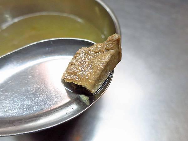 【台北美食】豬肝榮-網路極力推薦的脆口豬肝湯
