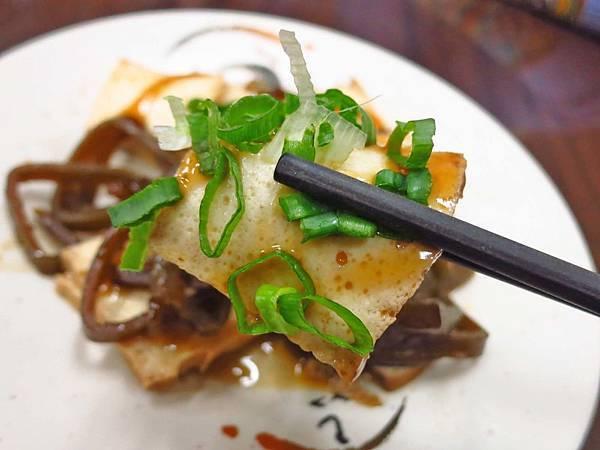 【台北美食】飄香牛肉麵-寧夏夜市裡的懷念牛肉麵