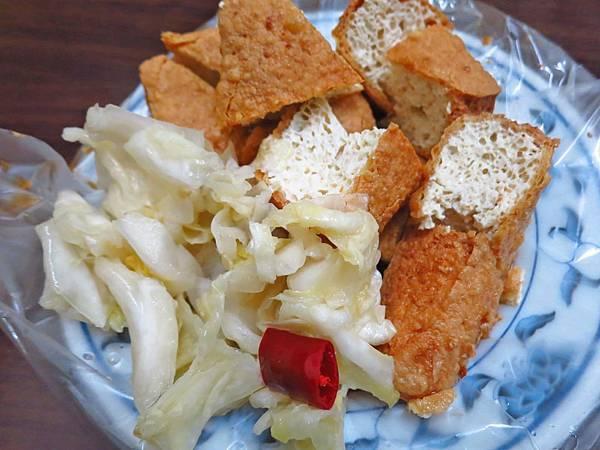 【台北美食】阿泉麵線-美味又迷人的臭豆腐