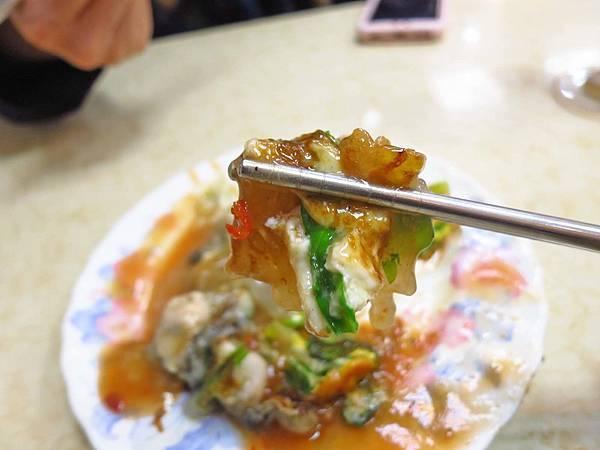 【台北美食】圓環邊蚵仔煎-寧夏夜市裡的超人氣排隊美食