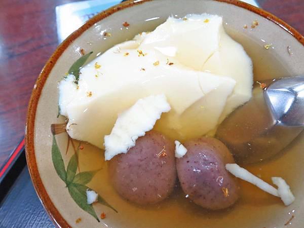 【台北美食】冰霖古早味豆花-美味的桂花蜜湯圓豆花