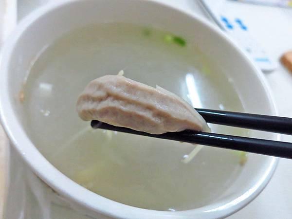【蘆洲美食】信義路無名油飯店-便宜的美味小吃攤
