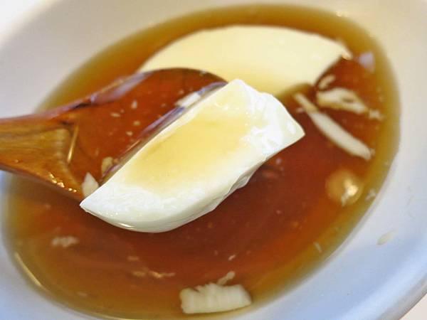 【新竹美食】She's豆腐花-吃一口就會愛上的杏仁豆腐
