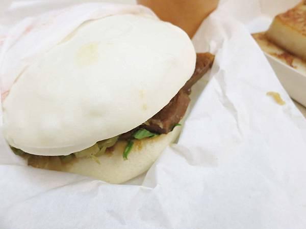 【蘆洲美食】一寶-從路邊開到店面的文青刈包店