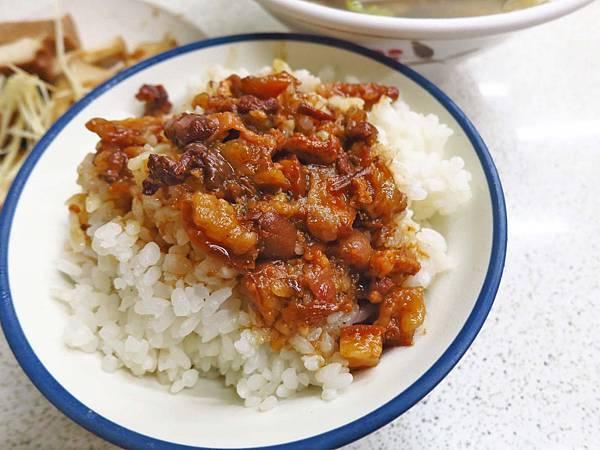 【板橋美食】金銓盛小吃店-簡單而美味的小吃店