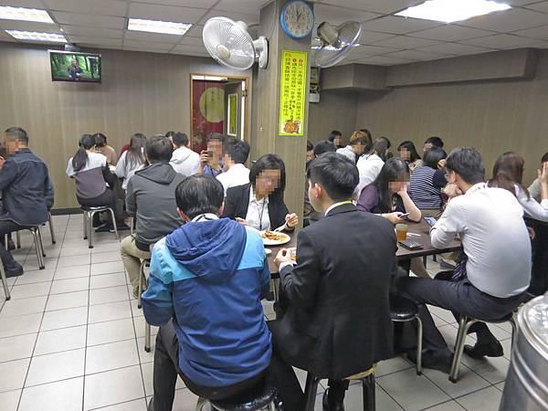 【台北美食】清香排骨王-台北101附近的巷弄排骨飯