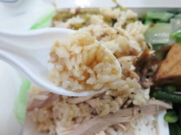 【蘆洲美食】青豐園臺灣火雞肉飯-大塊肉絲的雞肉飯