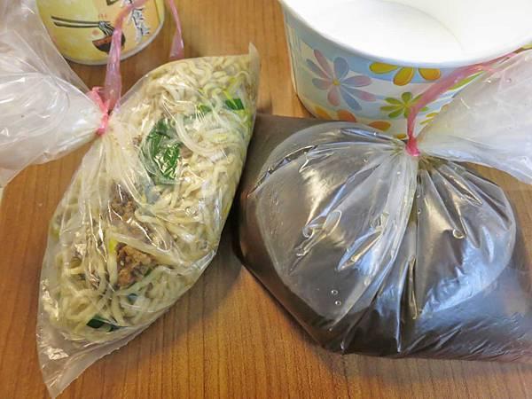 【新莊美食】無名店家-隱身在巷弄裡的無名汕頭麵