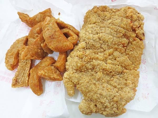 【三重美食】無名炸物攤車-絕無僅有的30元雞排銅板價