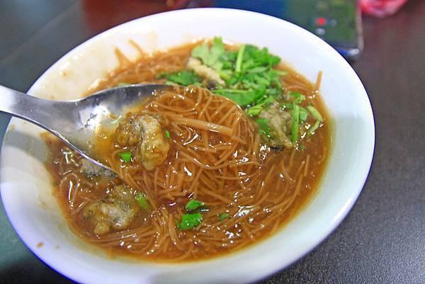 【宜蘭美食】和記大腸麵線臭豆腐-美味的爆漿臭豆腐