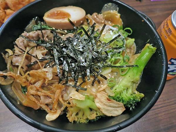 【三重美食】極之八丼-只要百元就能吃到美味的丼飯
