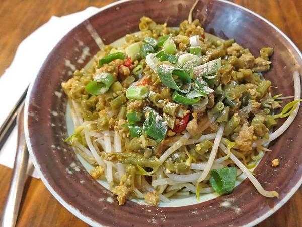 【新莊美食】阿嬤的古早味-別的地方吃不到的麻辣酸豆麵