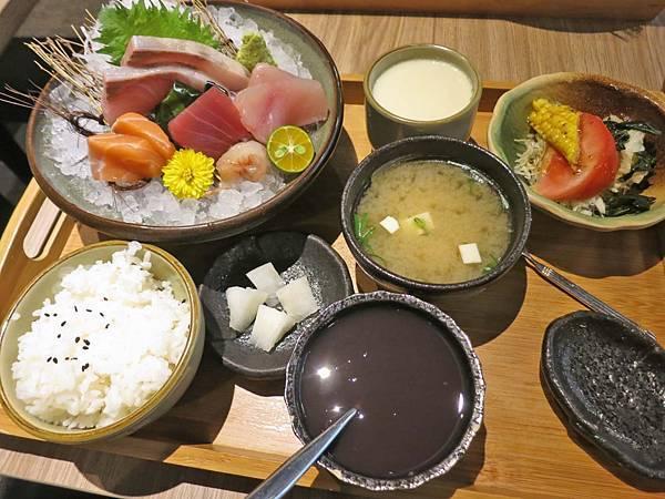 【台北美食】魚本味-美味又新鮮的生魚片