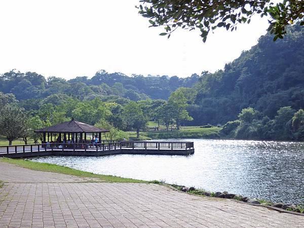 【桃園景點】三坑自然生態公園-隱身在山凹中的美麗湖景
