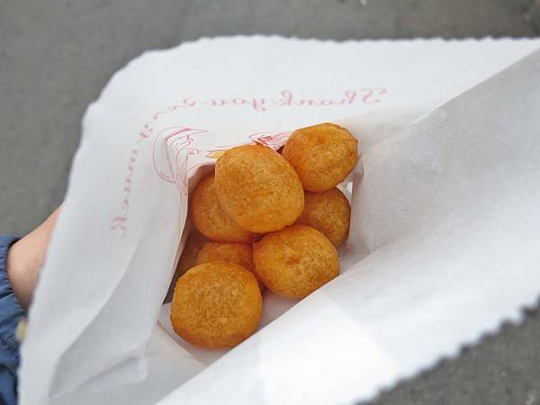 【三重美食】無名餐車地瓜球-超人氣排隊美食
