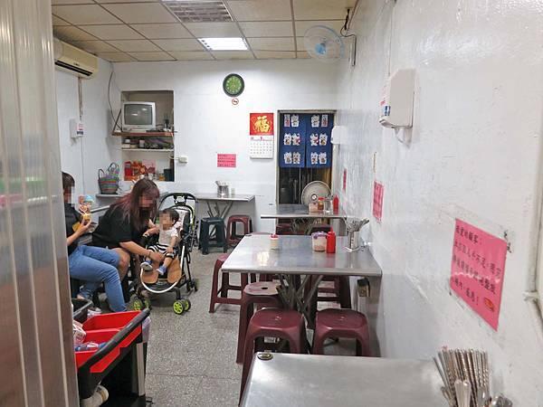 【台北美食】無名店家-超大份量又美味的極推日式蛋包飯