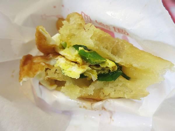 【宜蘭美食】日香炸蛋蔥油餅-不同於一般口感的美味蔥油餅