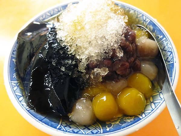 【林口美食】阿地桑豆花-配料多到爆炸的豆花店