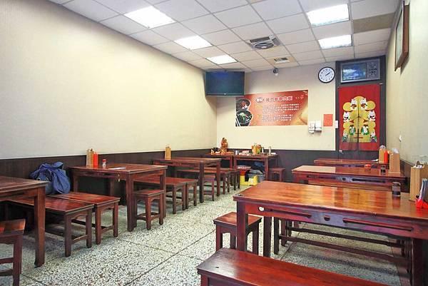 【台中美食】廖記雞肉飯-便宜又大碗,CP值極高的15年老字號美食小吃店
