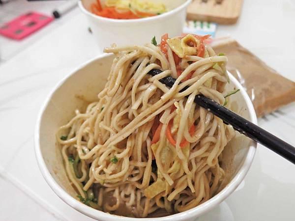 【蘆洲美食】慶記手工涼麵-麵條Q彈又吸醬汁的美味涼麵
