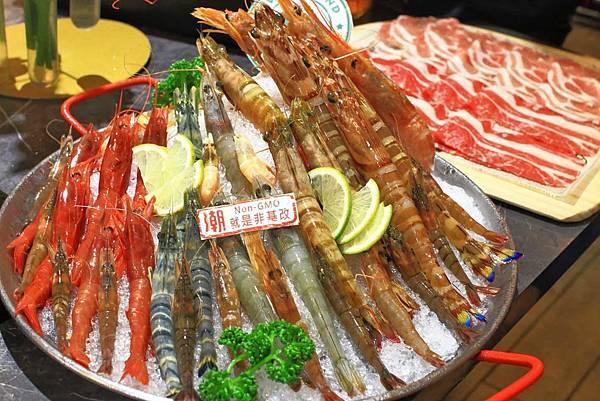 【中和美食】八海食潮當代鍋物-8種不同品種蝦子堆成一座小山的爆誇張美食