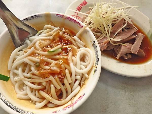 【台北美食】米苔目25米粉湯20-便宜又美味的美食小吃店